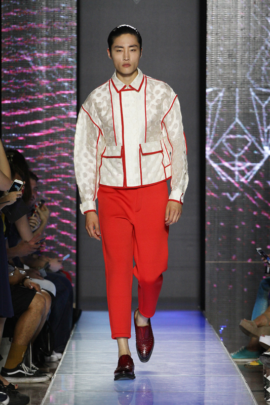 on sale 4e380 17a3b Milano moda uomo: sfilate Septwolves Primavera Estate 2017